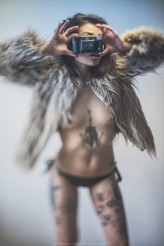 conik @capital.t.photo #tattoomodel #venus_in_fur #yashica #t2 #art #nude #reality_warp #Mickiewicz