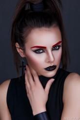 Hryb foto: Denys Hryb mua+ włosy: Aneta Nowacka modelka: Anita Sikorska