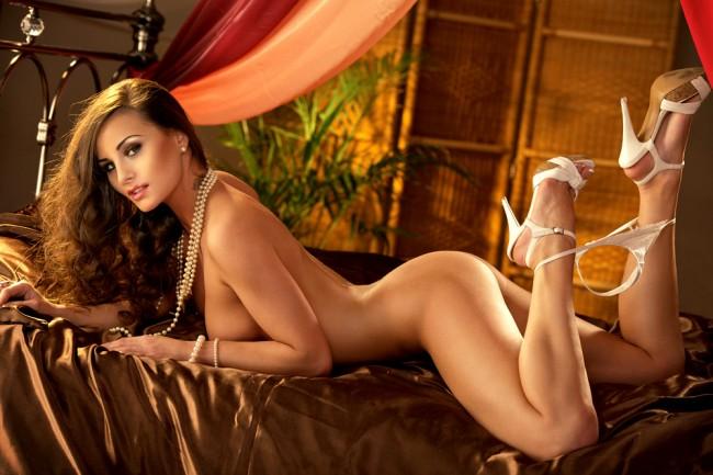Hot Black Nude Glamour Model