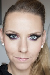 olica http://makeupfriends.wordpress.com/2013/08/08/purpurowo-bordowe-kocie-smokey-eye/