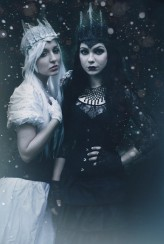 lachattenoire White and Black Queen