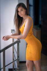 akanistudio                             Beauty in yellow
